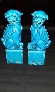 Blue porcelain lion