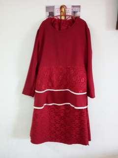 Peplum lace kurung