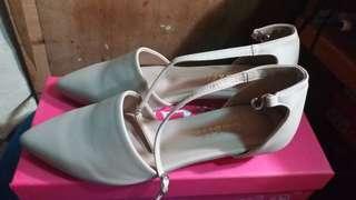 杏色女神鞋