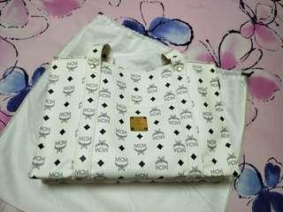 PRICE REDUCED!!! $190 FIXED MCM TOTE