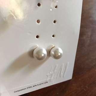 H&M pearl earrings