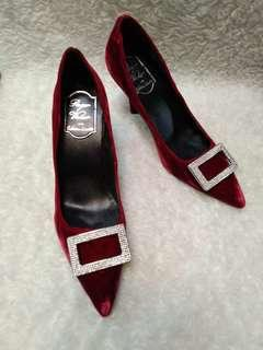 Roger vivier limited edition size 36