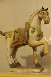 唐三彩馬  12吋高。12吋長