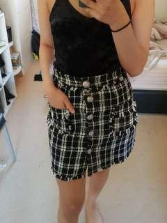 Thick checkered skirt