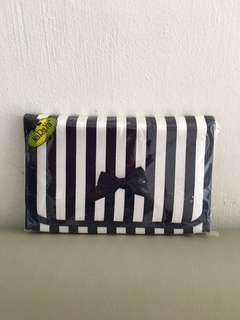 Naraya Cosmetic Pouch with Mirror