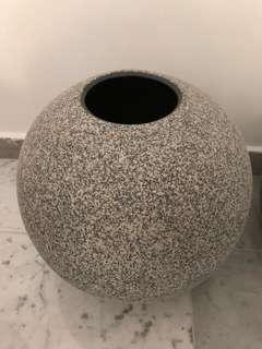 Ceramic vase 🏺
