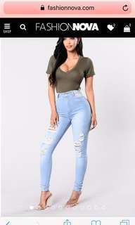Highwaisted ripped jeans
