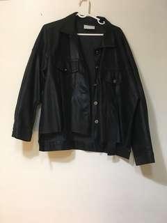 皮黑衣外套