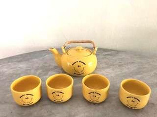 Smiley Tea Set