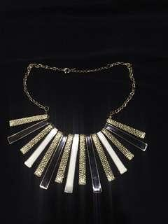 Fashionable Necklace