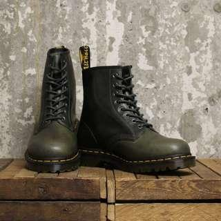 ORIGINAL AUTHENTIC BOOTS DR MARTENS - DOC. MART 1460 GREEN TAUPE/ 8 EYELETS- BRAND NEW