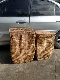 兩個很大的編織籃~尺寸~60x40x40/56x35x35(合售~1900)