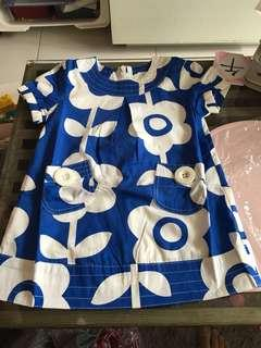 Flower top with 2 pockets