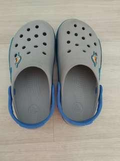 Preloved Crocs light up shoes J2 @ $20 only!!!