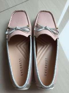 BN with box Everbest sweet pink shoes size 35