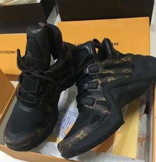 Authentic Louis Vuitton Sneakers / Shoes