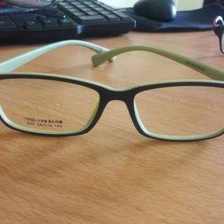 New Kacamata Bening Fashion Keren Import Frame Hijau Bahan bagus