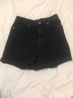 High waisted Black Denim shorts - 6