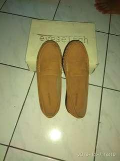 Sepatu kece