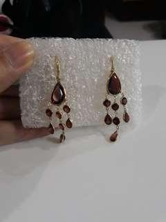 Bnew chandelier garnet earing in 14k gold setting