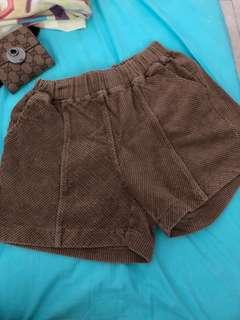 Brown stretchable shorts