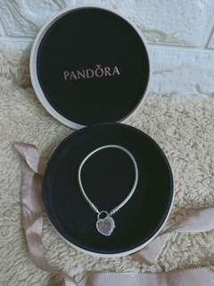 authentic pandora bangle heart locker size 17cm not mk ,ks,coach ,lv,lacoste ,dkny