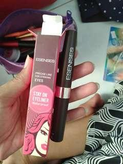 Eyeliner baru beli barusan