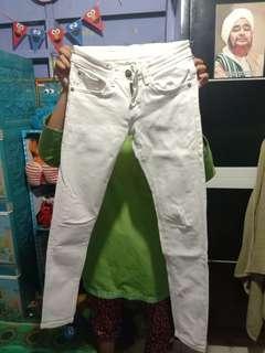 Jeans wanita putih