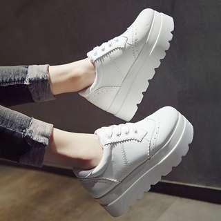 韓國款 全白色 綁帶 超輕盈舒服舒適 皮面厚底鞋 返工鞋 醫院診所護士鞋 帆布鞋 39號 ft