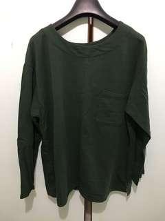 Dark green long sleeves sweater