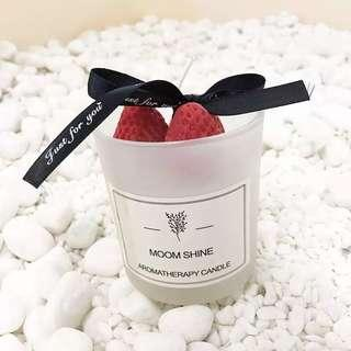 Red strawberries cup candle