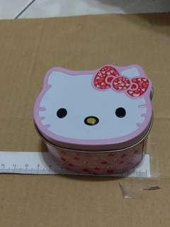 🚚 Hello Kitty收納盒 那裝可愛兔兔髮夾
