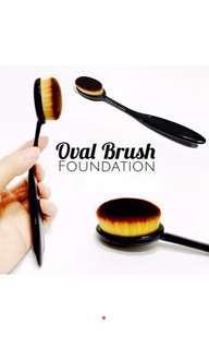 Brush Oval utk foundation