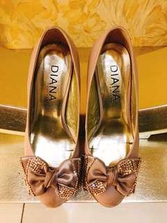 蝴蝶結中跟女鞋