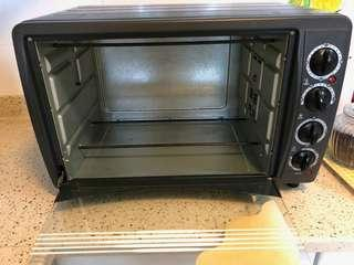 UN-USED Cornell Electric Oven- Moving out sale