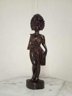 Indonesia ebony carving balinese girl standing on the rock height 41cm in perfect condition
