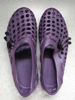 Ladies causal rubber shoe
