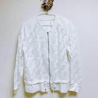 🚚 正韓 白色蕾絲設計外套