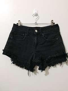 AMERICAN EAGLE OUTFITTERS Distressed Shorts ✨