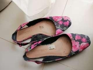 Reprice sepatu sendal flower Payless 65rb