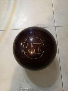 13 lbs Columbia bowling ball