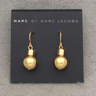 ✈️✈️✈️✈️✈️✈️✈️✈️✈️✈️✈️(本店將於11/12/2018-17/12/2018暫停營業1週旅行,包括寄貨及回覆詢問,如閣下對產品有興趣,請於18/12/2018之後再私訊我們,謝謝🙏) 🎈🎈🎈🎈🎈🎈🎈🎈🎈🎈🎈 Marc Jacobs sample Earrings 金色波波吊墜耳環
