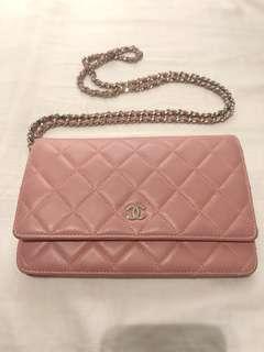 #MILAN12 Chanel pink WOC bag