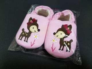 全新粉紅色嬰兒BB鞋仔
