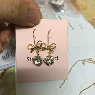 (BN) Ribbon Earrings