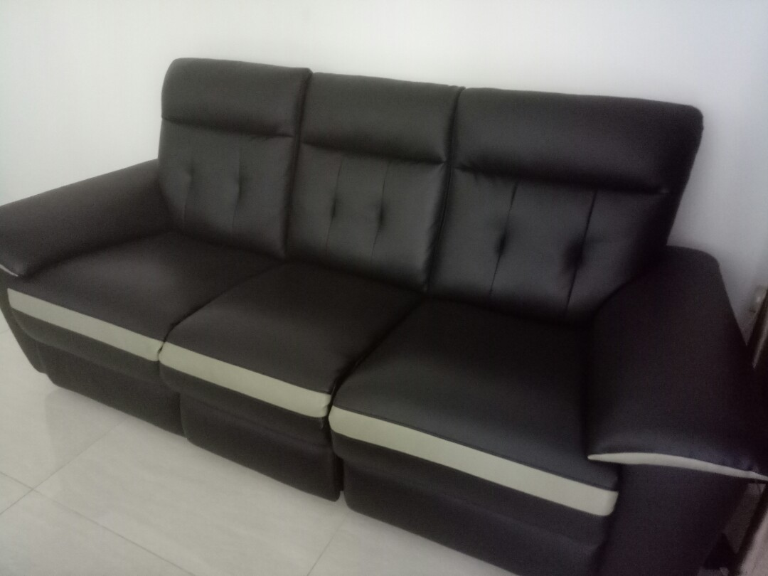3 Seater Recliner Sofa Furniture Sofas On Carousell