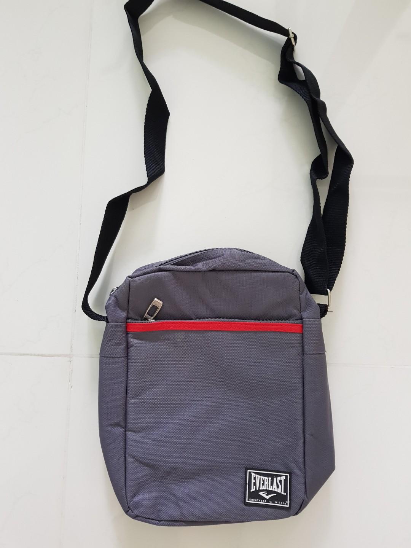 Everlast sling bag 8b596ee45648c
