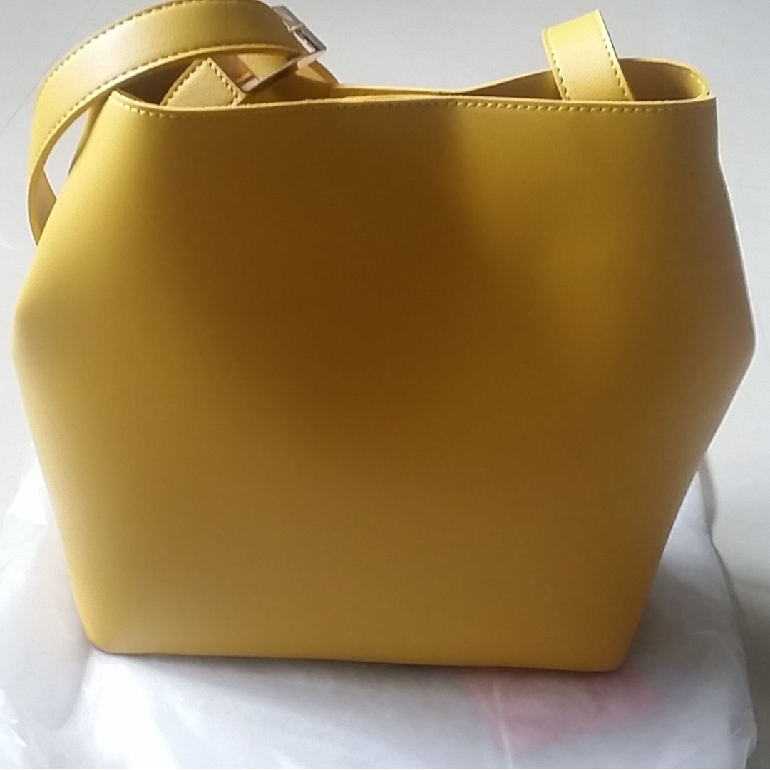 bbe1b814606b Nice sling bag for sale