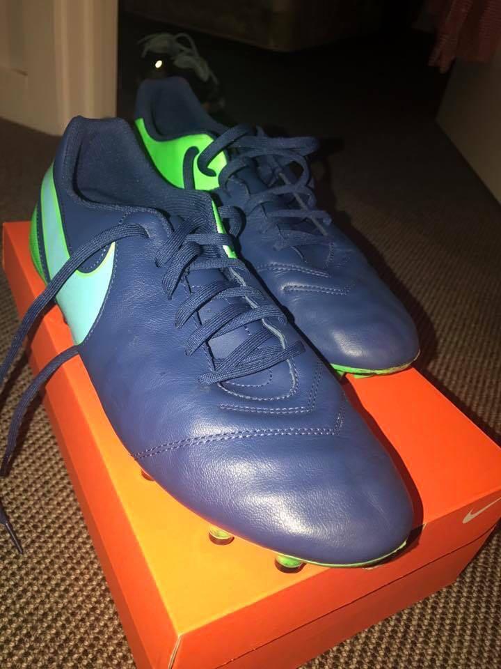 Nike Tiempo Boots