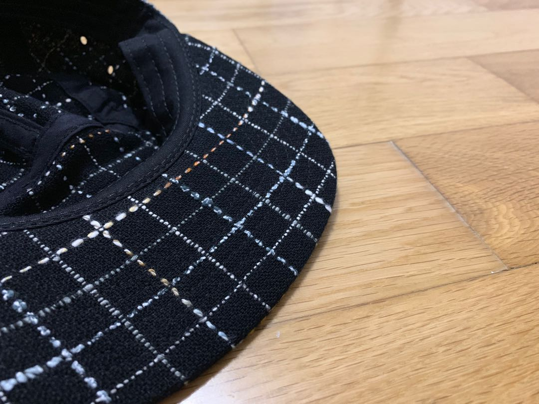 06778804 (IMG:https://media.karousell.com/media/photos/products/2018/12/07/supreme_boucle_camp_cap__black_fw18_1544175854_5df0d722.jpg)